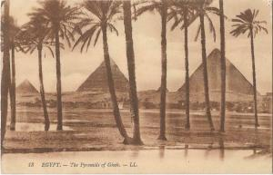 Egypt The Pyramids of Giseh 01.23