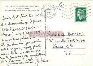 Modern Postcard On the Cote de Lumiere Ile d'Oleron collectors of oysters has...