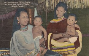 Seminole Indians , Florida , 1930-40s ; Mothers & Kids