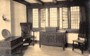 Plymouth, Elizabethan House, Front room with chest, interior