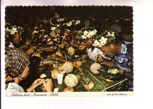 People Eating Feast, Tamaaraa, Tahiti, Photo Paul Chanson