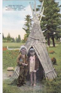 Heap Big Indians Waiting To Greet You At Menominee Indian Reservation Wisconsin