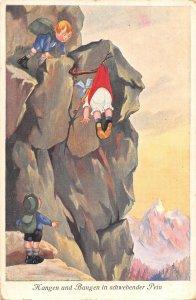 US3538 Hangen und Bangen in Schwebender Pein Children Climbing Mountain