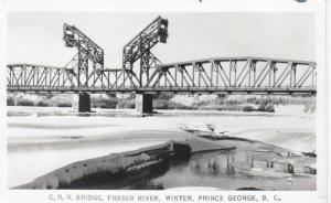 RP : PRINCE GEORGE , B.C. , 1940s ; C.N.R. Bridge, Fraser River