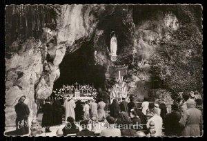 Lourdes - La Grotte Miraculeuse