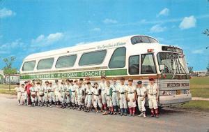Green Bay WI Little Leaguers Baseball Players WI MI Coaches Bus Postcard