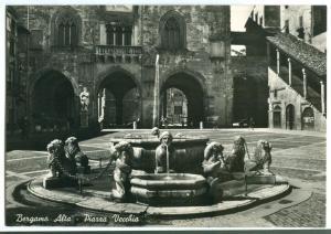 Italy, Bergamo Alta, Piazza Vecchia, unused real photo Postcard