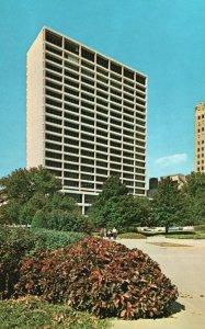 Fort Worth, TX, First National Bank Building, Chrome Vintage Postcard g9058