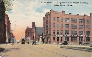 CEDAR RAPIDS, Iowa, 00-10s; Third St., looking North from Fourth Ave.