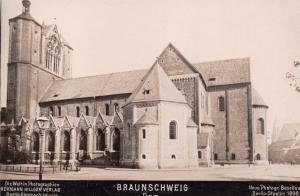 BRAUNSCHWEIG DOM GERMANY~HERMANN HILLGER VERLAG~REAL PHOTO POSTCARD