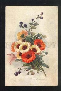 037901 Field Bouquet w/ Berries. By C. KLEIN vintage