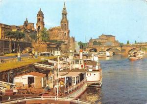 Dresden Dampferanlegestelle vor der Bruehlschen Terrasse, Landing Stage Boats