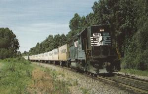 Norfolk Southern's Triple Crown Roadrailer Train Engine 7076 Postcard