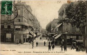 CPA AVIGNON - Perspective de la Rue de la Republique (511611)