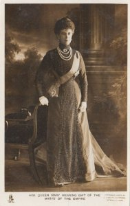 RP; UK , 1930-50s ; H.M. Queen Mary Wearing Gift of the Marys' of the Empire