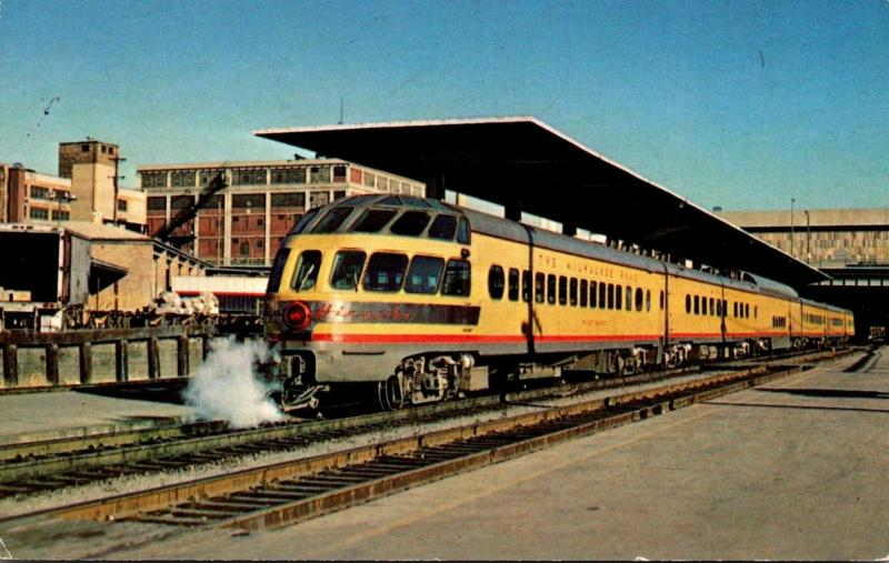 Trains Priest Rapids Skytop Lounge No 189 At Milwaukee Depot Milw...