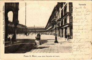 CPA Venezia Piazza S. Marco presa dalla Piazzetta dei Leoni ITALY (800603)