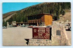 Postcard CO Berthoud Pass Lodge 1950's Old Cars Continental Divide R65