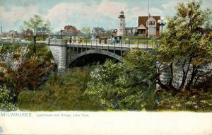 WI - Milwaukee. Lighthouse and Bridge, Lake Park