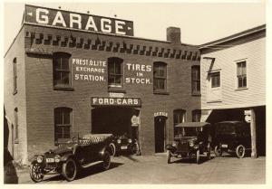 VT - Bennington - Ford Garage 1918 (Reproduction of old photo)