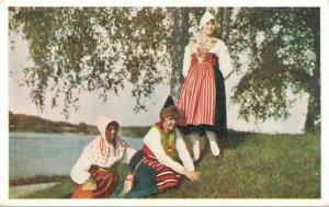 Sweden Swedish National Costumes Vintage Postcard 06.84