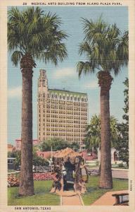 SAN ANTONIO, Texas; Meical Arts Building from Alamo Plaza Park 30-40s