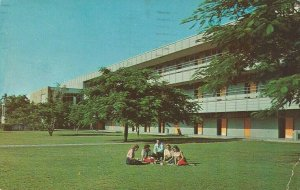 Postcard - FL - Florida University of Miami Memorial Building Coral Gables 1968