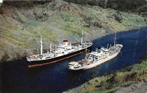 5506 Two Ocean Liners Pasing  in the  Culebra Cut Panama Canal