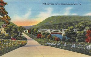 Gateway to the Pocono Mountains, Pennsylvania, Early Linen Postcard, Unused