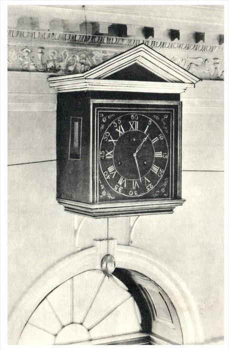 Seven Day Clock in entrance Hall at Monticello