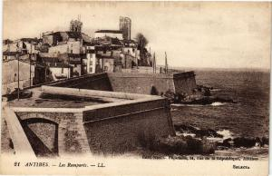 CPA ANTIBES - Les remparts (191427)