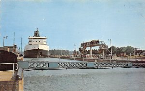 Canal Post Card Welland Canal System, St. Lawrence Seaway St. Catharines, Ont...