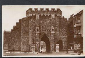 Hampshire Postcard - Bargate, North Side, Southampton   T8067