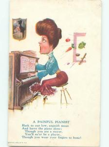 Pre-Linen Comic music WOMAN PLAYING THE PIANO POORLY AB8778