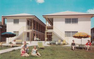 MYRTLE BEACH, South Carolina, 50-60s ; Surf & Sands Hotel Apartments