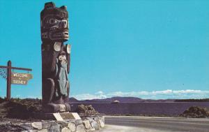 The Kwakiutl Bear Pole, Anacortes Ferry, SIDNEY, Washington, 40-60s