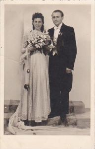 Romantic Couple In Wedding Attire J Kruskops Foto darbnica Contax Real Photo
