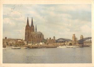 GG14489 Koeln am Rhein Dom River Boats Bridge Cathedral Panorama Bateaux