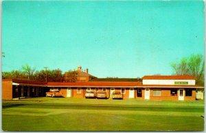 North Platte, Nebraska Postcard RYAN MOTEL Highway 30 Roadside c1950s Unused