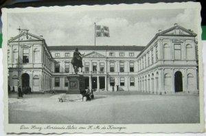 Netherlands Den Haag Noordeinde Paleis van H M de Koningin - unposted