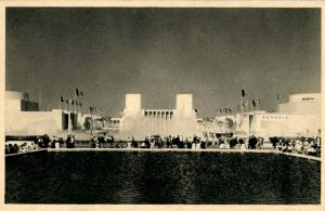 NY - New York World's Fair, 1939. Lagoon of Nations Fountains & U.S. Governme...