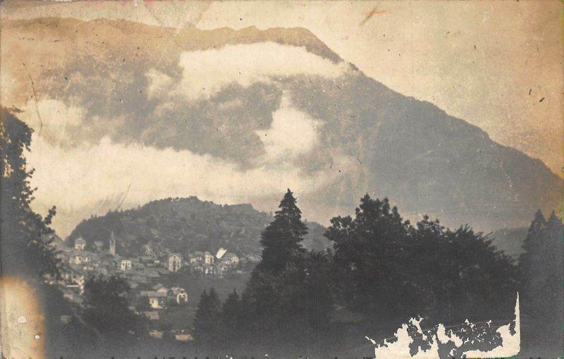 Canada ? Village Panorama Mountain General view Postcard