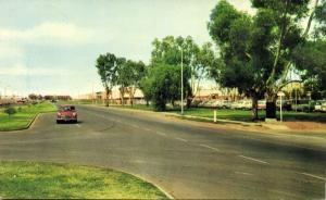 australia, ELIZABETH, S.A., Philip Highway, Car (1960s) Postcard