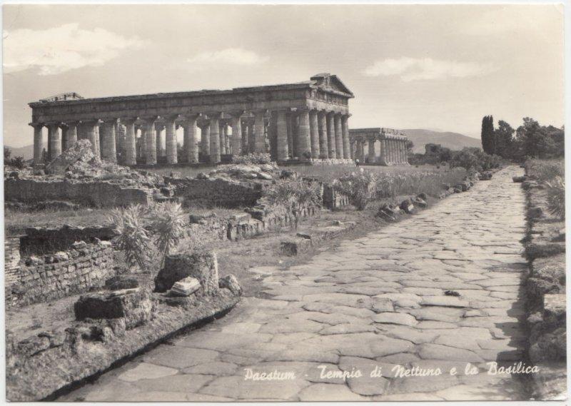 PAESTUM, Tempio di Nettuno e la Basilica, Neptune's Temple and Basilica