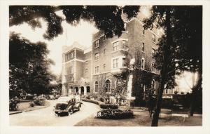RP: Cornwallis Inn , KENTVILLE , Nova Scotia , Canada , 30-40s