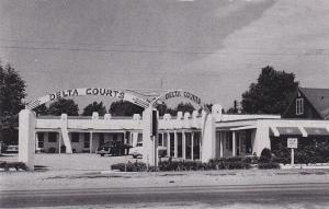 [BC] Delta court ,SIKESTON , Missouri, 1930-50s ; DEXTER PRESS archives