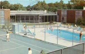 Wheeling Illinois~Palwaukee Motor Inn~Pool~Tennis Court~1970s Postcard