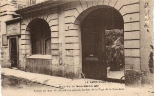 CPA Paris 1e (Dep. 75) Rue de la Sourdiére (86491)