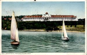Grand Hotel, Mackinac Island Michigan Sailboats c1914 Postcard A22