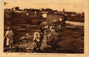 CPA AK Meknes Ancienne Porte de la Ville et la Lavoir MAROC (689393)